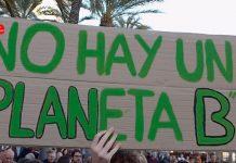 Concentración en Alicante por el 15M climático. Fridays for future