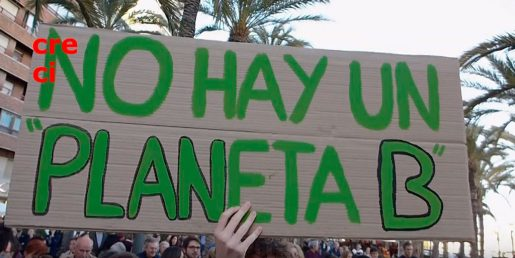 Concentración en Alicante por el 15M climático. Fridays for future